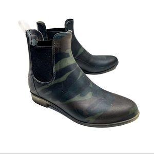 J CREW MATTE CHELSEA RUBBER RAIN BOOTS CAMO Size 8